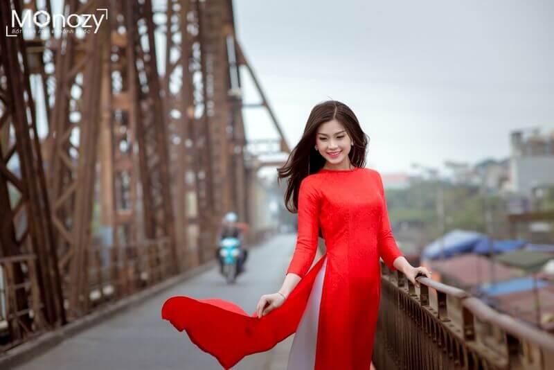Mách bạn cách tạo dáng chụp ảnh áo dài tết đẹp nữ tính