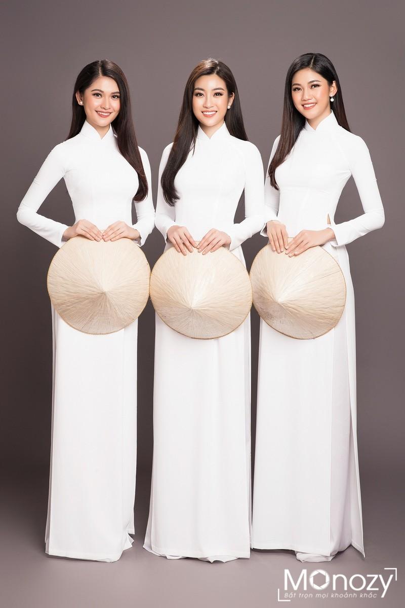 Cùng xem các nàng hậu Việt chụp ảnh áo dài đẹp như thế nào?