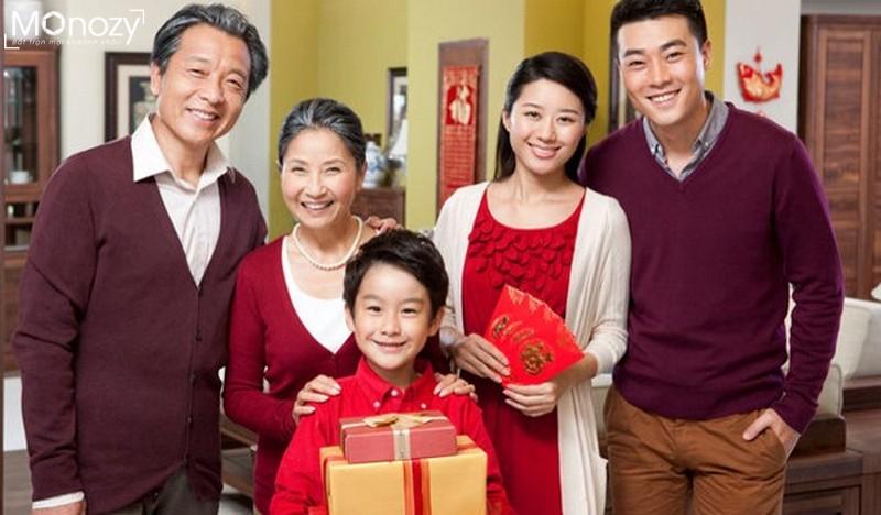 Bí quyết chụp hình tết đẹp cho gia đình theo nhóm