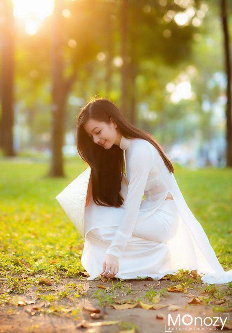 Tổng hợp các kiểu tạo dáng chụp ảnh áo dài trắng đẹp nhất