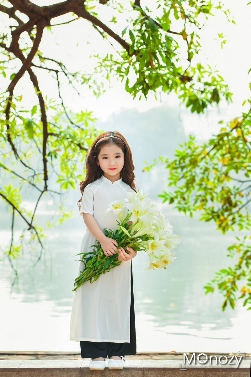 Chụp ảnh áo dài bờ hồ - điều mỗi cô gái nên làm một lần trong đời