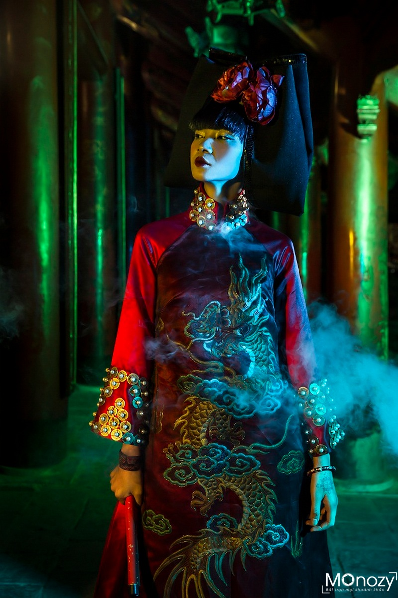 Concept chụp ảnh áo dài cổ ở Văn Miếu của người mẫu Hạ Vi